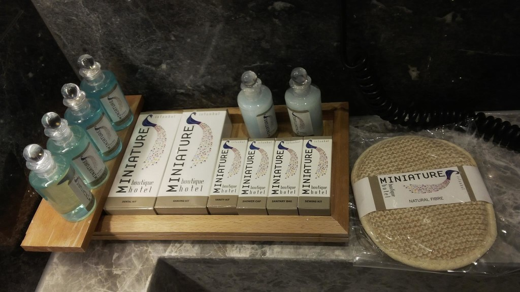 Hotel Miniature bathroom essentials