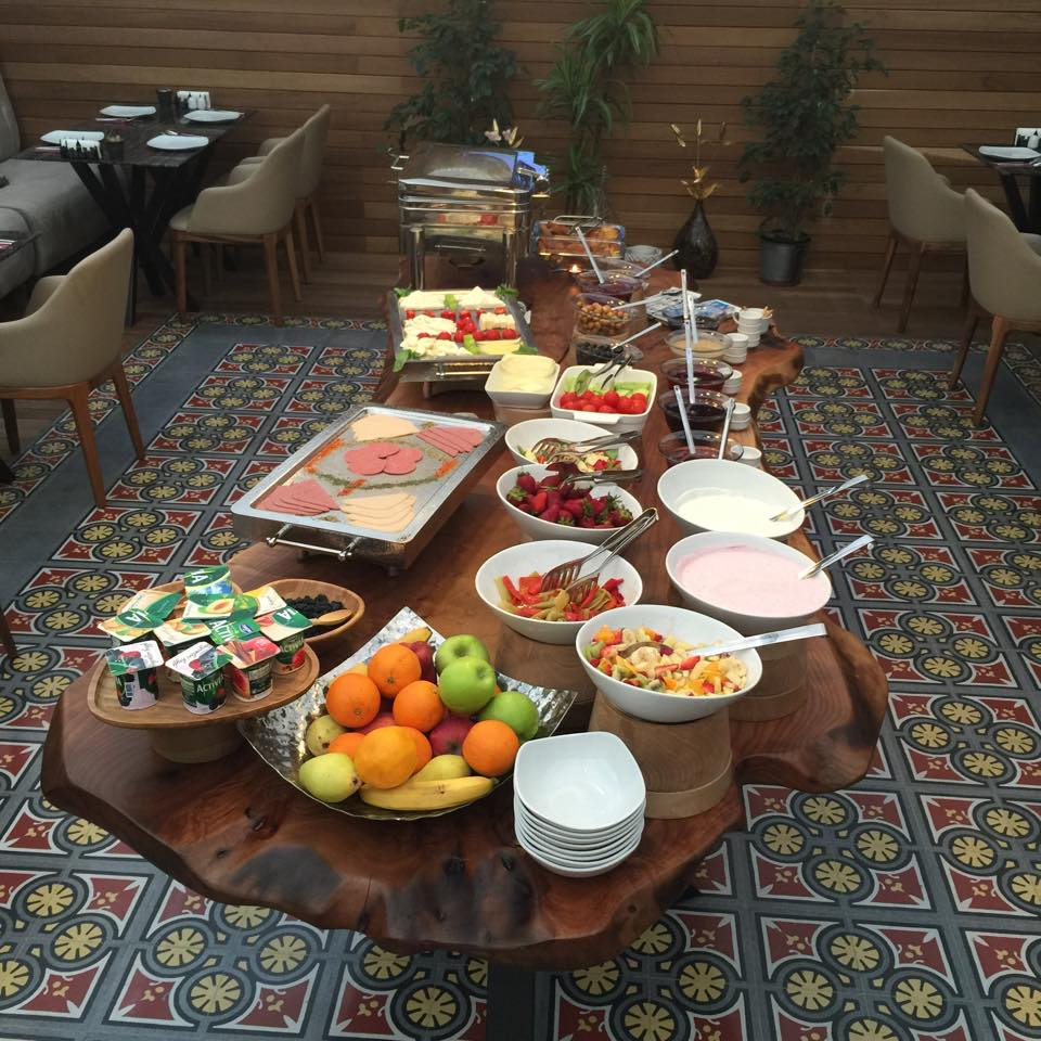 Hotel Miniature breakfast spread