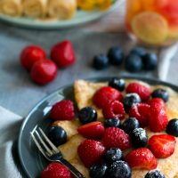 Pannekoek berries and coconut