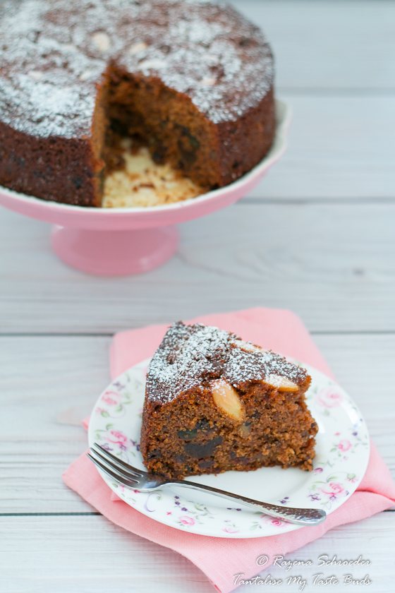 Spiced boiled fruit cake