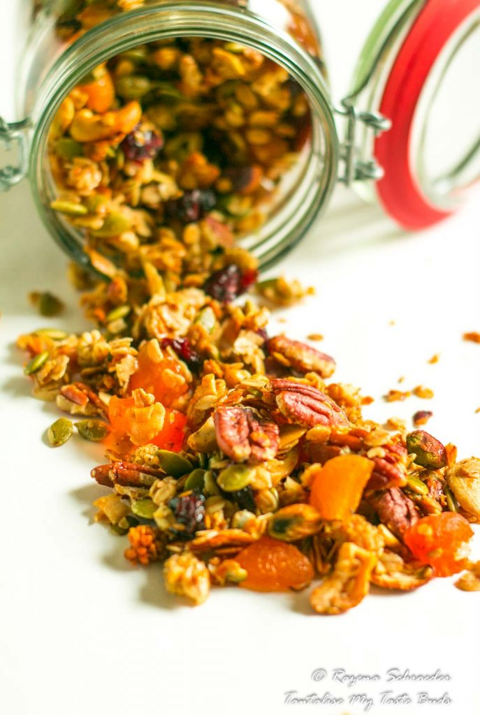 Easy Homemade Granola - Tantalise My Taste Buds