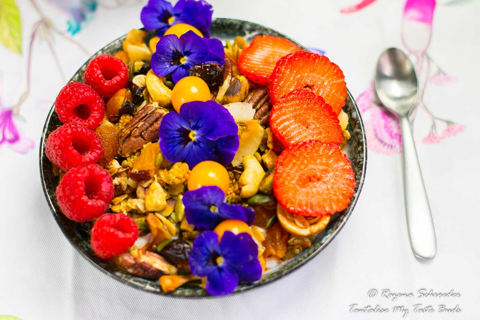 Suhoor Ramadhan traditions - Greek yogurt and granola breakfast bowl