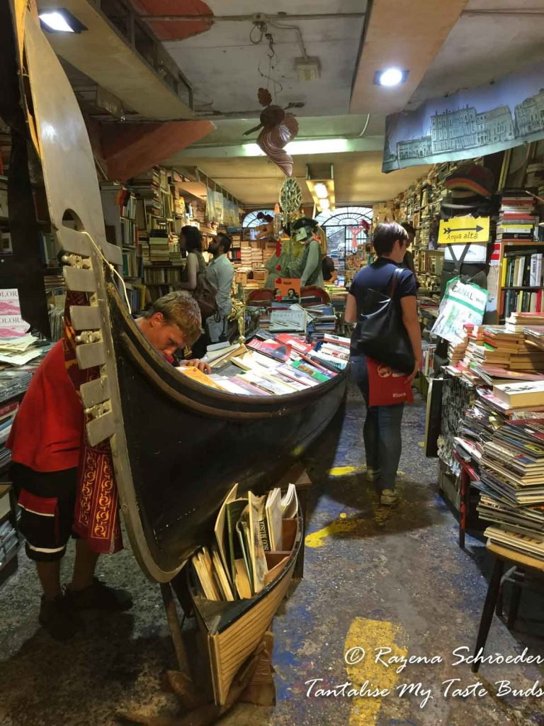 Libreria Acqua Alta bookshop