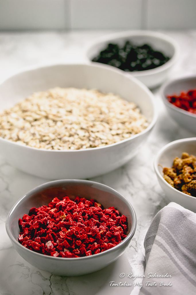 Oats and dried berries for muesli