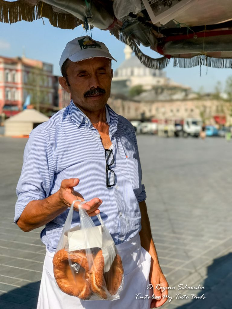 Simit seller at Eminönü
