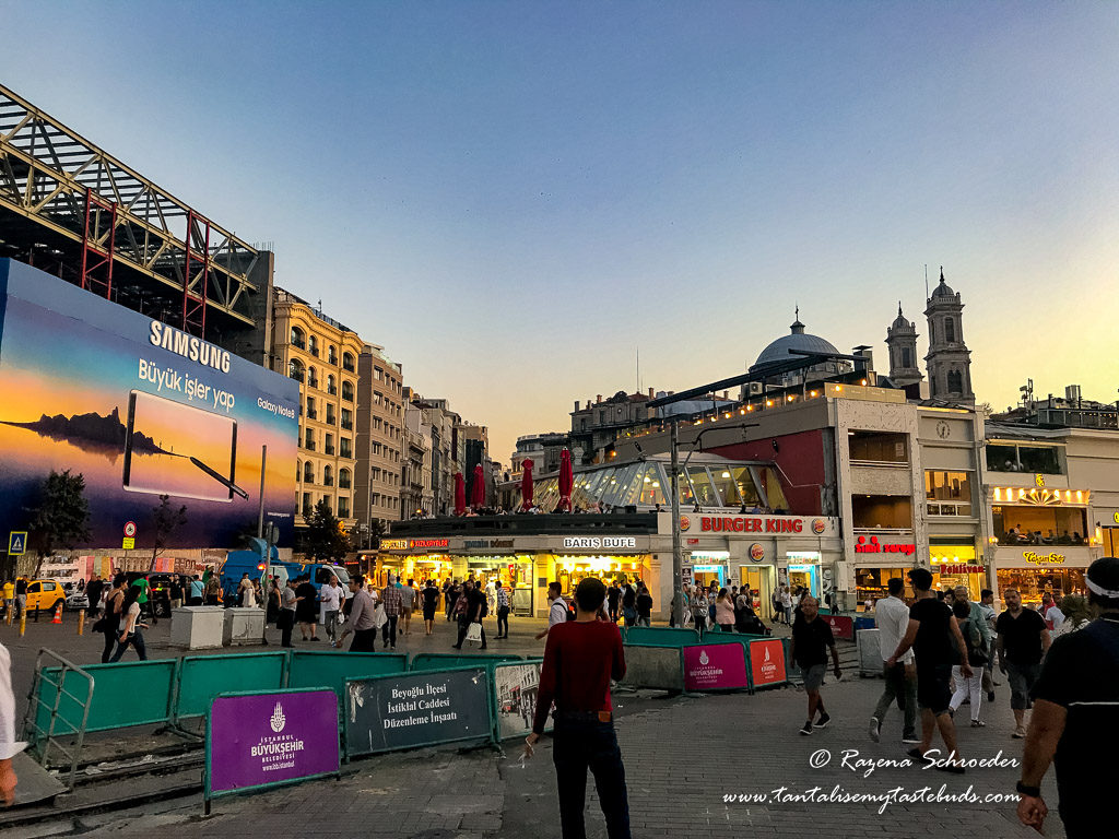 Istanbul Taksim Square eateries